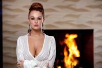 holly_girl-on-fire_leanna-decker_high_0007.jpg