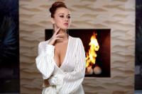 holly_girl-on-fire_leanna-decker_high_0011.jpg