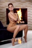 holly_girl-on-fire_leanna-decker_high_0050.jpg