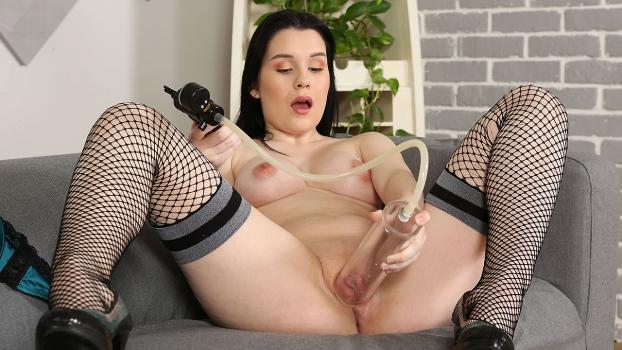 Sweet Angelina in Big Taco Teasing
