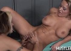 Cindy Crawford &  Megan Monroe in Pussy On Pussy