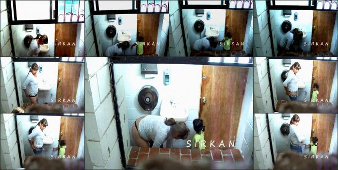 Hidden_camera_in_toilet_62