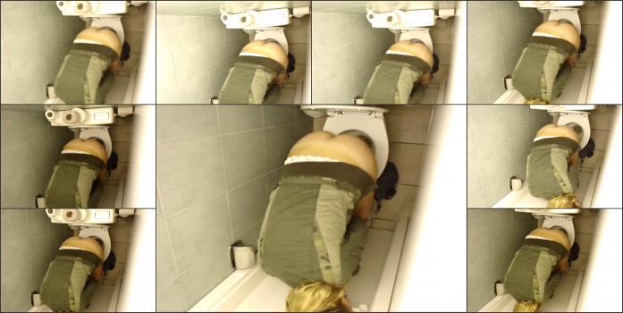 Hidden_camera_in_toilet_90