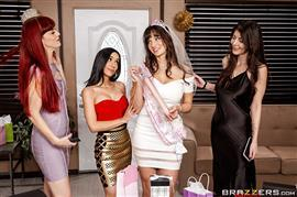 brazzersexxtra-20-02-16-tia-cyrus-and-lexi-luna-the-gift-of-cock.jpg