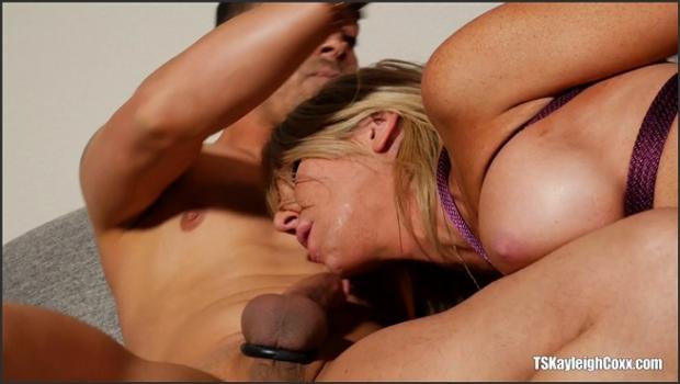 Kayleigh Coxx In Bondage