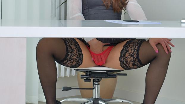 Red Panties - Valentina Ross - Anilos com