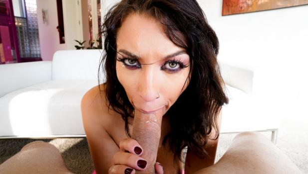 throated-20-02-21-bella-rolland-sloppy-and-rough.jpg
