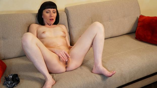 Pleasing The Pussy - Cherry Despina - Anilos com