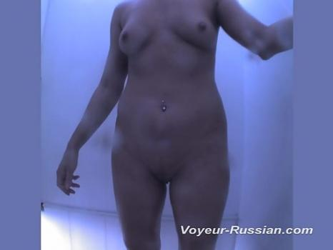 Pv471# Slim babe changes clothes in front of a mirror. Our operator is behind the mirror and filmed