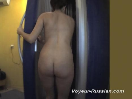 Pv434# Tanned brunette undressed quickly and went into the cabin. Our operator was able to catch mom