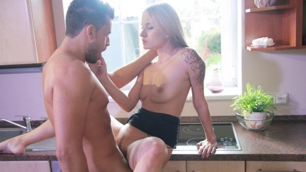 Horny couple hot sex and deepthroat_SexyHub.com